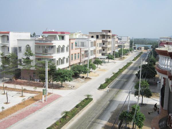 广东省东升农场位于广东省廉江市西北部,场部设在石岭镇北面省道六